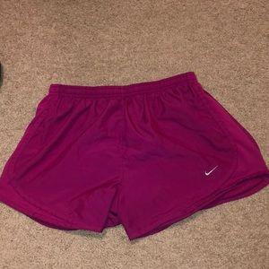 Nike Wimens Dri-Fit Tempo Running Shorts Size M
